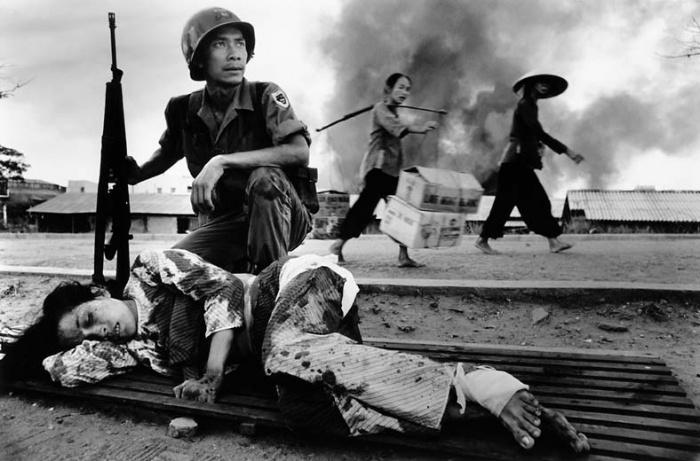 kennedys policy towards vietnam